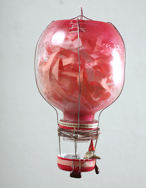 Souther  Salazar -  <strong>Balloon 31</strong> (2009<strong style = 'color:#635a27'></strong>)<bR /> mixed media,   5 1/2 x 2 7/8 x 2 7/8 inches