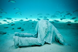 Jason  deCaires Taylor -  <strong>La Promesa (1)</strong> (2011<strong style = 'color:#635a27'></strong>)<bR /> digital C print,   20 x 30 inches  (50.8 x 76.2 cm),   Edition of 5