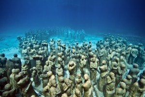 Jason  deCaires Taylor -  <strong>Silent Evolution (1)</strong> (2011<strong style = 'color:#635a27'></strong>)<bR /> digital C print,   30 x 45 inches  (76.2 x 114.3 cm)